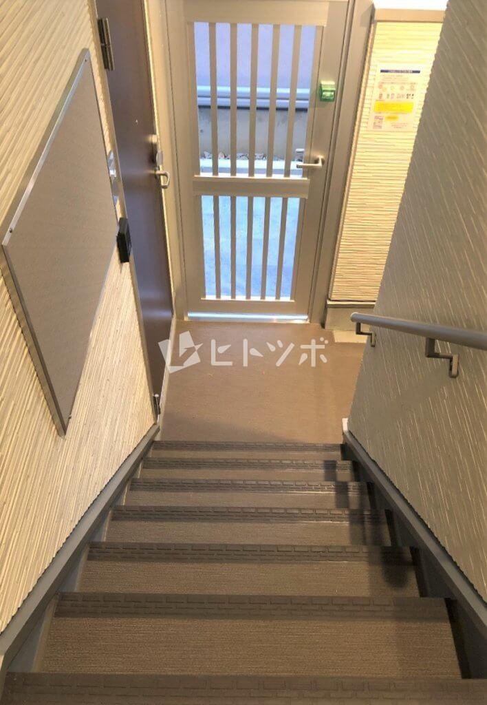 ハーモニーテラス中宮階段