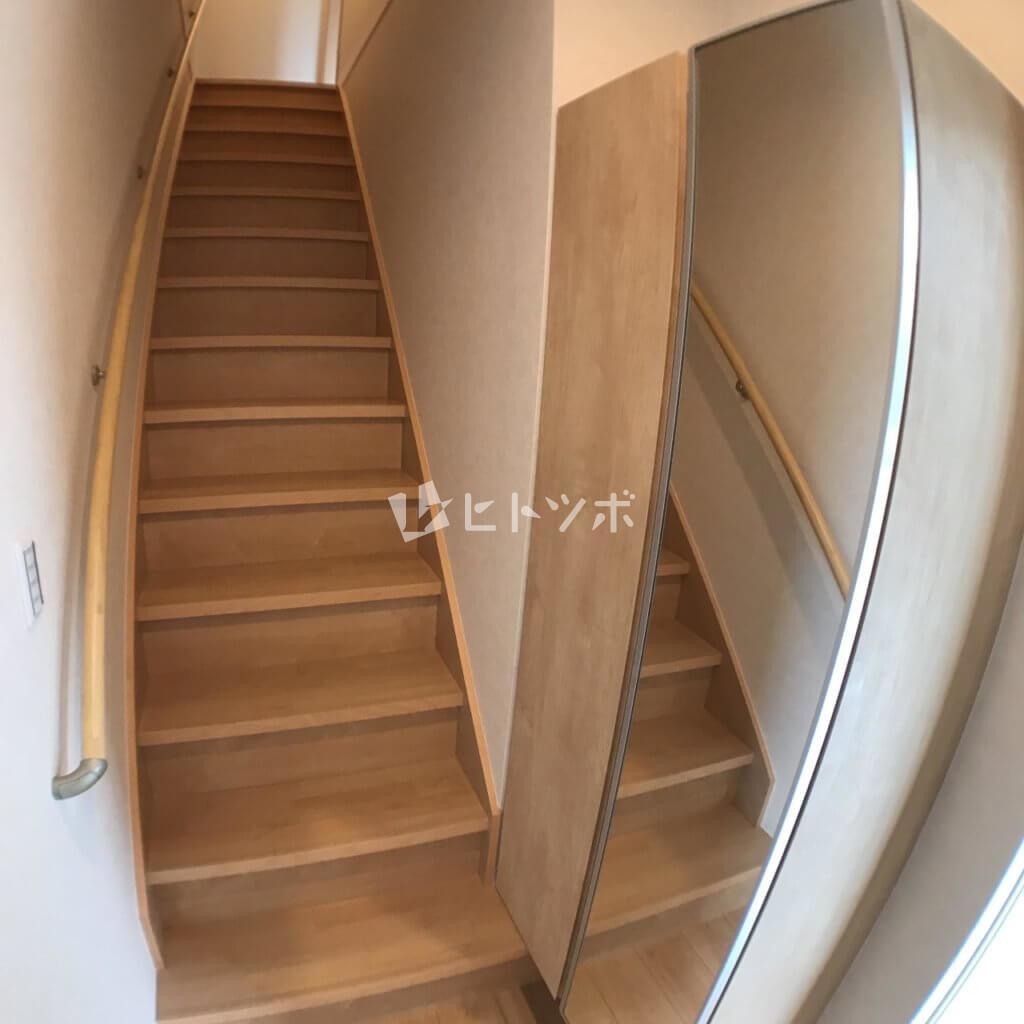玄関 シューズボックス 階段