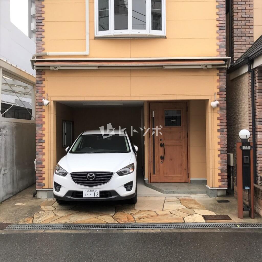 建物外観 駐車場