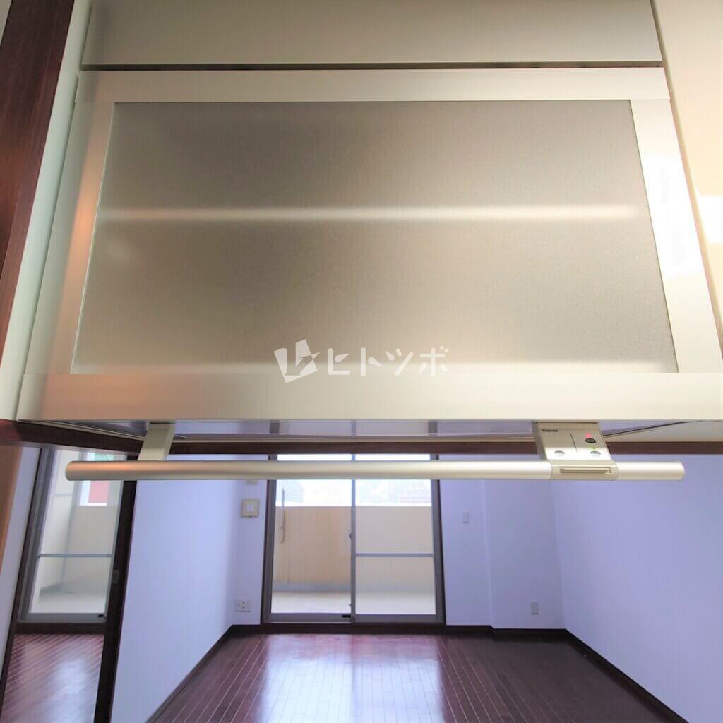 電動昇降食器棚